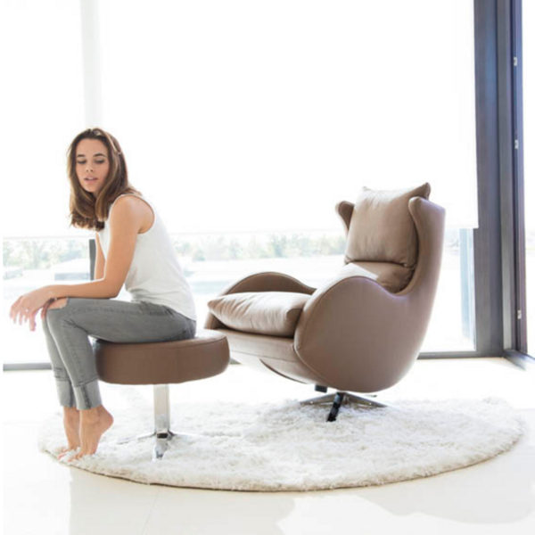 Lenny Swivel Chair in leather-47531