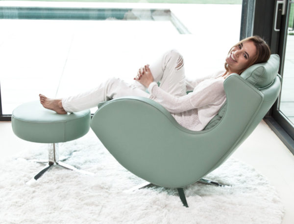 Lenny Swivel Chair in leather-47532