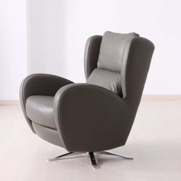 Romeo Swivel Chair in leather-0