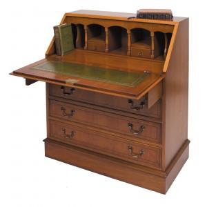Bradley Yew 667 Bureau-0