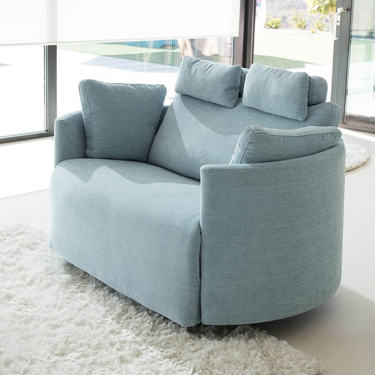 Fama Moonrise Extra Large Recliner in fabric