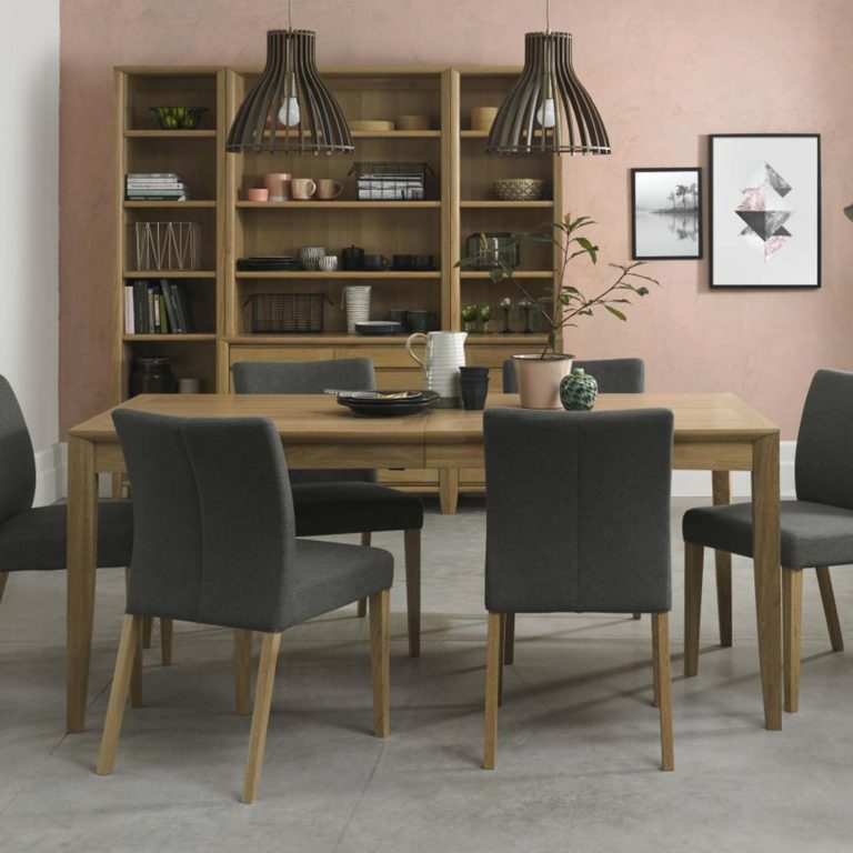 Ibsen dining collection