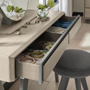 Bertie Dressing Table detail