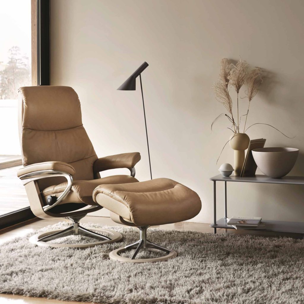 Stressless View chair & stool with signature base in sand