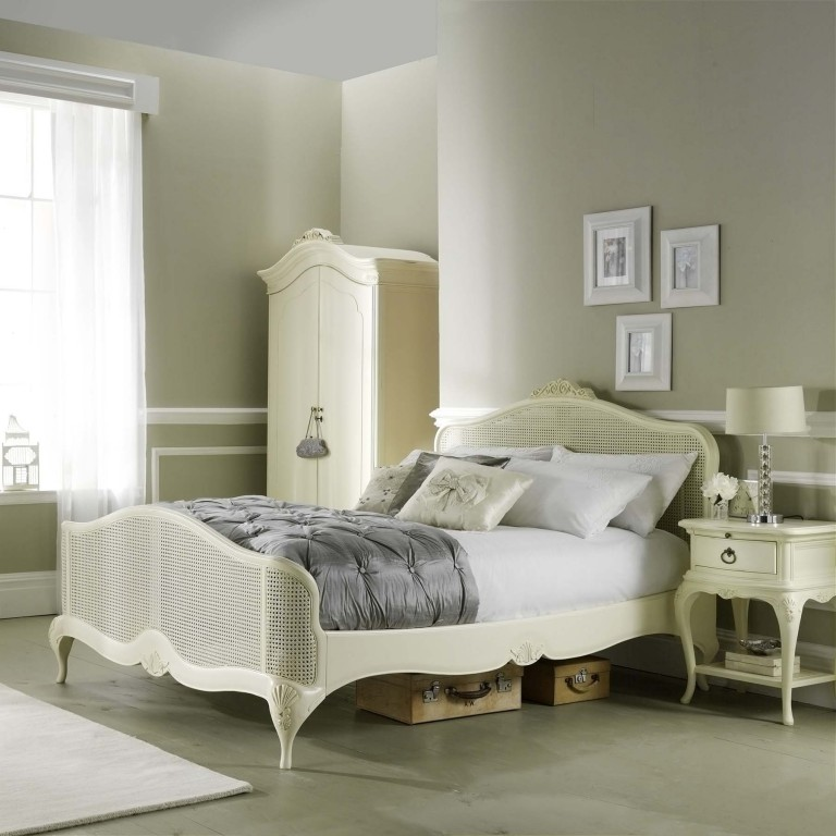 Avignon Ivory bedroom